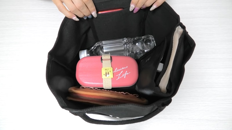 サブバッグやメインバッグとして活躍するトートバッグ